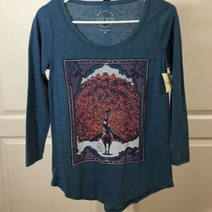 NWT Lucky Brand 3/4 tee with Peacock design